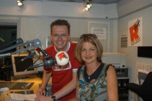 Arne Wiechern im Radio-Hamburg-Studio mit der NDW-Sängerin Frl. Menke