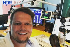 Arne Wiechern im NDR 90,3 -Studio